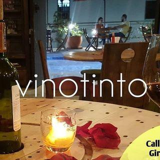 Logo de Vinotinto Tapas & Sangrias