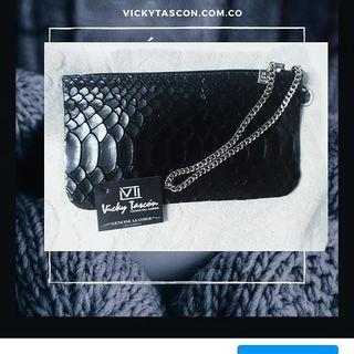 Logo de vickyTascon oficial